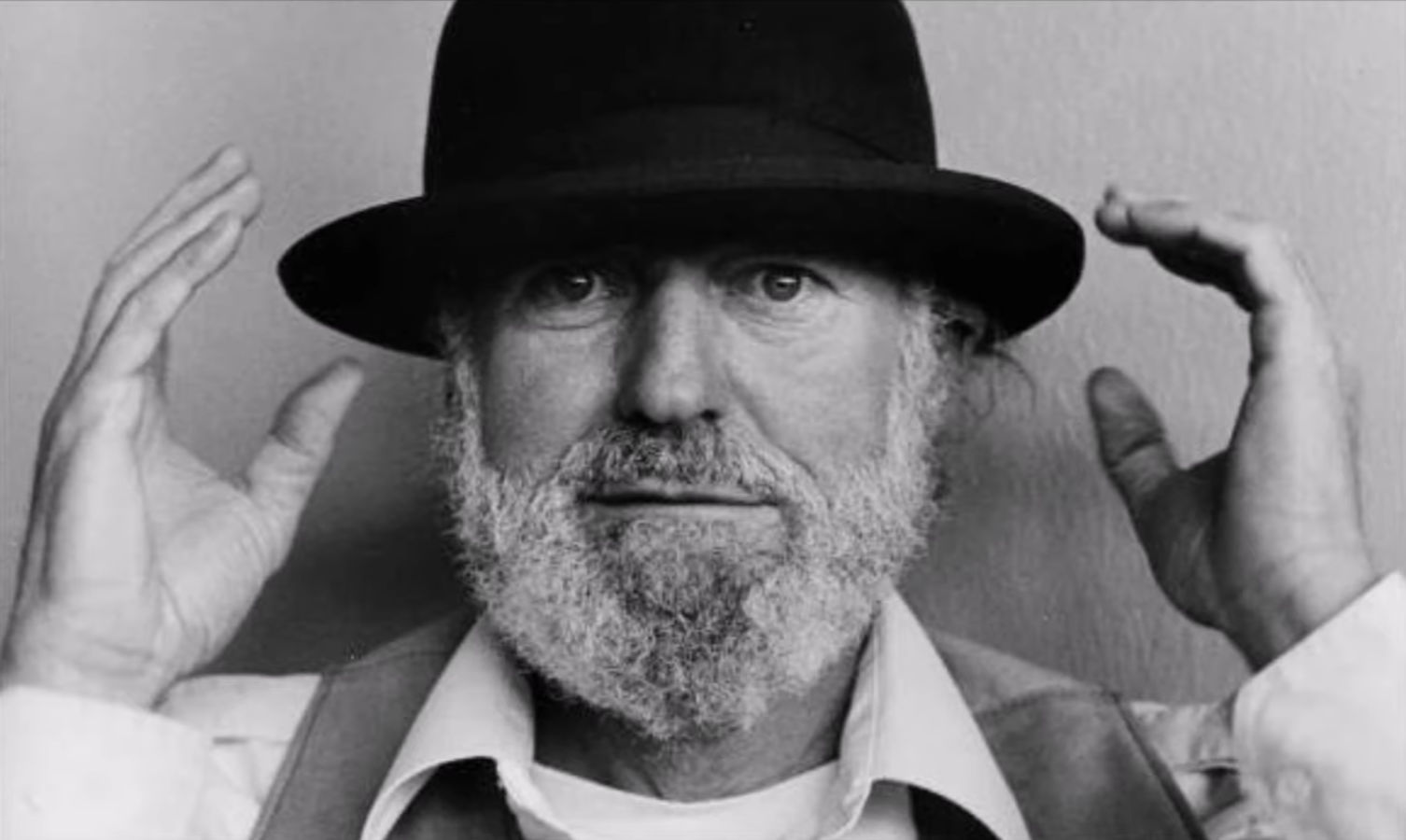Quiet Howls for Lawrence Ferlinghetti